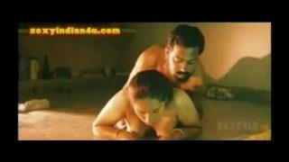 hot big ass bhabhi having hot fuck with dewar