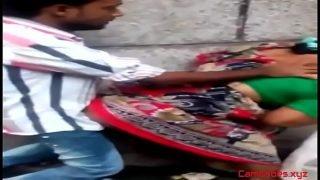 Main dengan pelacur India.