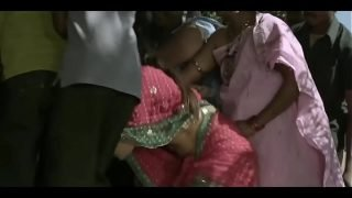 Ramya sri boobs popout from telugu movie o malli